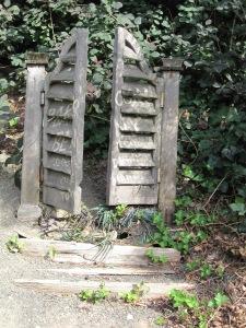 Saloon doors tombstone
